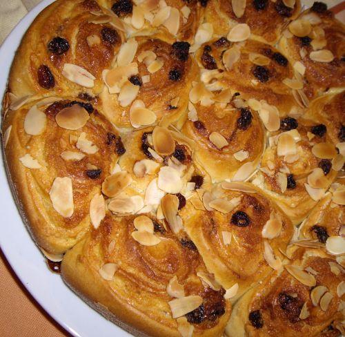 IMGP2299 Chinois à la crème damande et aux raisins secs