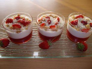 imgp3058 Tiramisu fraise au crumble de chocolat blanc
