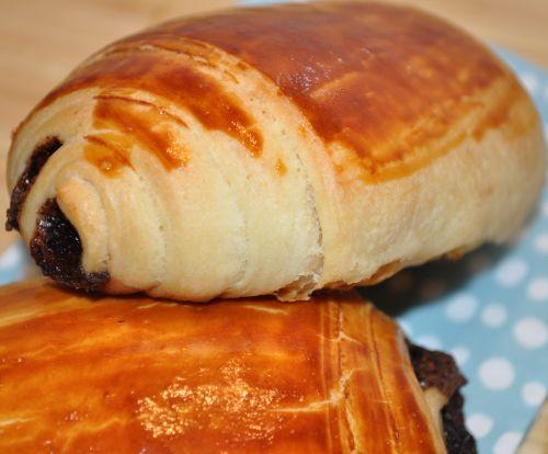 ... petit pain au chocolat du petit pain au chocolat pains au chocolat c p