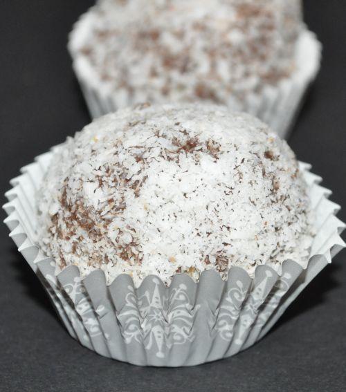 DSC 0032 Boules Chocolat noix de coco