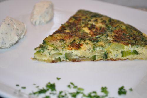 12 Omelette à la courgette et aux fines herbes