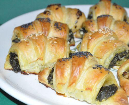 DSC 0131 Croissants au pesto dépinards et chèvre frais