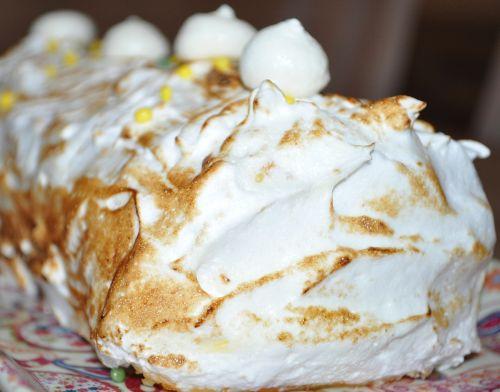 buche facon tarte au citron meringuée