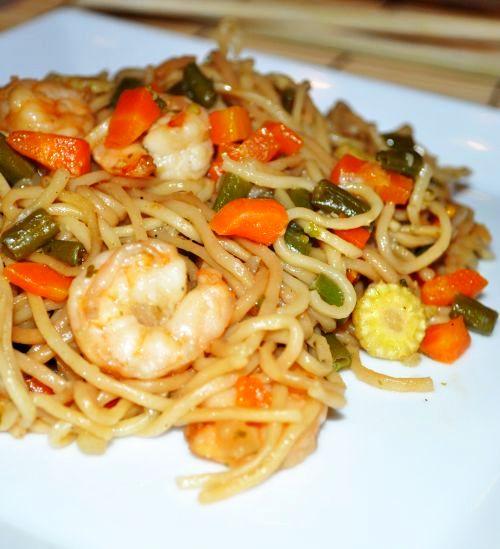 31 Nouilles sautées aux légumes et crevettes