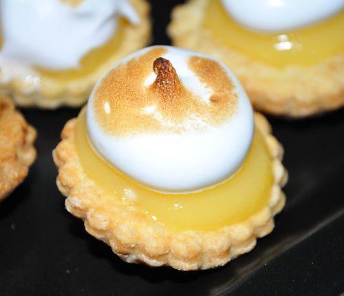 DSC 0082 Minis tartelettes au citron meringuées