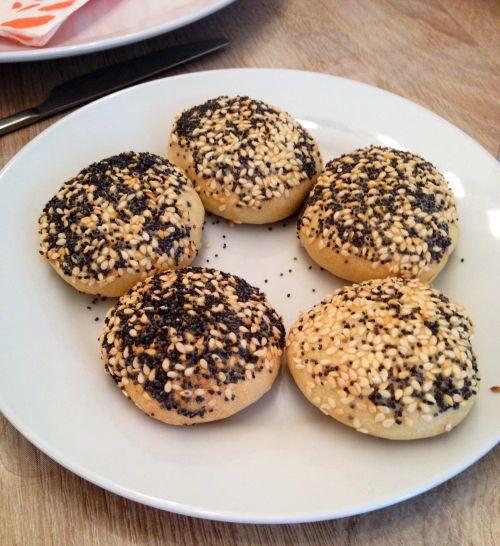 pain au graines Chaussons aux poivrons