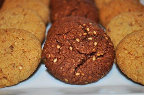 ghribas au chocolat Ghribas Bahla (Ghribas aux Amandes et Sésame)